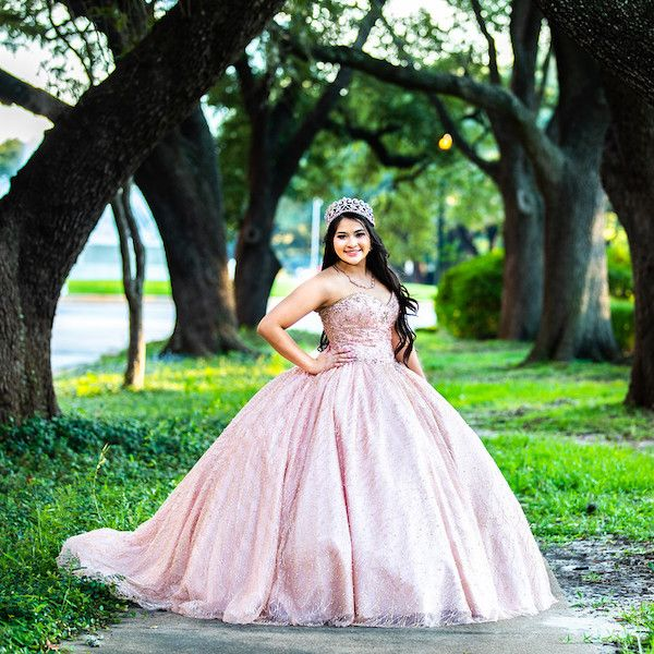 Cabrera-Photography-Quinceanera-Photography-in-Houston-v001-compressor