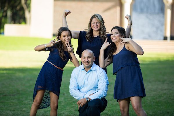 Family-Photography-in-Houston-Cabrera-Photography-v006-compressor